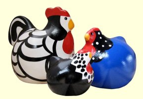 Happy Hens are hand decorated ceramic art from Dunedin, New Zealand.  These colorful chickens were created by Yvonne Sutherland.